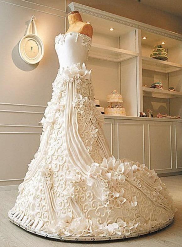 Wedding-Gown-Cake-e1364017382605