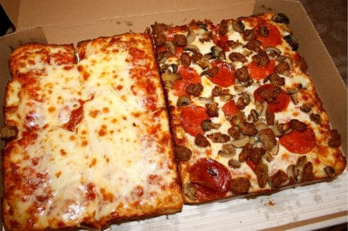 small cheese pizza calories