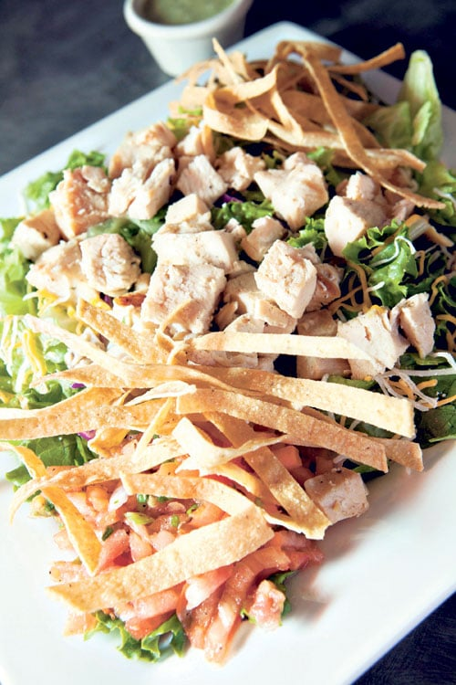 Wahoo 39 s blackened chicken salad no chips from wahoo 39 s for Wahoo s fish taco menu nutrition
